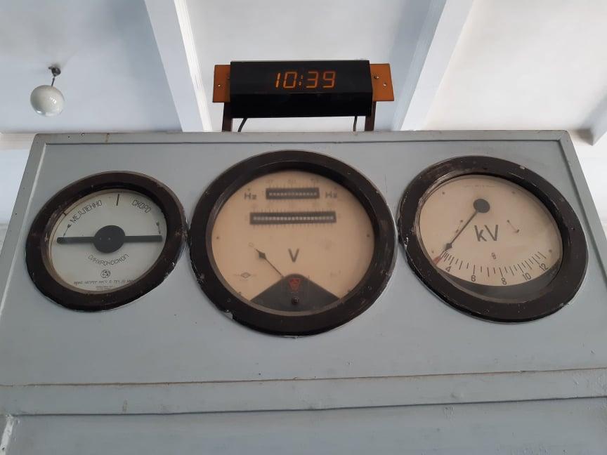 На станції дбайливо зберігається обладнання з повоєнних часів (4).jpg